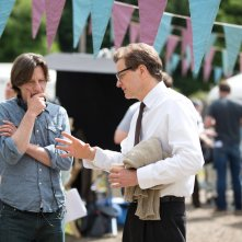 Il mistero di Donald C.: Colin Firth e il regista James Marsh sul set del film
