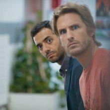 Sposami, stupido!: Philippe Lacheau e Tarek Boudali in una scena del film