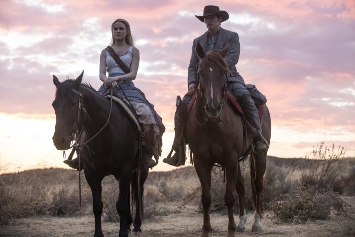 Westworld: Evan Rachel Wood e James Marsden in una foto della seconda stagione