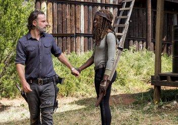 The Walking Dead: Andrew Lincoln e Danai Gurira nell'episodio The Key