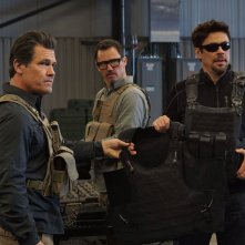 Soldado: Josh Brolin e Benicio Del Toro in una scena
