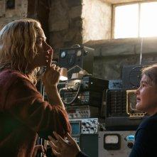 A Quiet Place - Un posto tranquillo: Emily Blunt e Millicent Simmonds in una scena del film