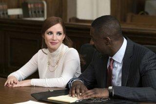 Molly's Game: Jessica Chastain e Idris Elba in un momento del film