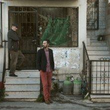 Wajib - Invito al matrimonio: Saleh Bakri e Mohammed Bakri in un momento del film