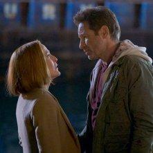X-Files: David Duchovny insieme a Gillian Anderson nell'episodio Il figlio perduto