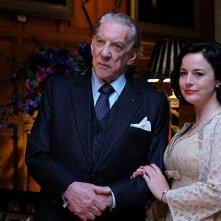 Trust: Donald Sutherland e Anna Chancellor in un momento della serie