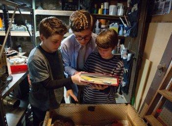 The Dangerous Book for Boys: una foto della serie Amazon
