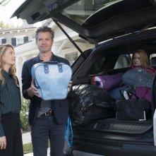 Santa Clarita Diet: Drew Barrymore, Timothy Olyphant e Liv Hewson in una foto della serie