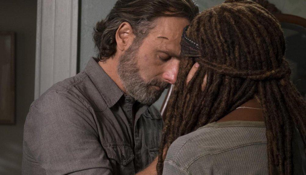 The Walking Dead: Andrew Lincoln e Danai Gurira nell'episodio Still Gotta Mean Something