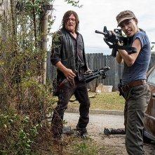 The Walking Dead: Norman Reedus e Christian Serratos nell'episodio Worth