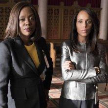 Kerry Washington e Viola Davis in una foto del crossover tra Scandal e Le regole del delitto perfetto