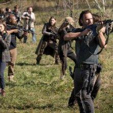 The Walking Dead: Andrew Lincoln alla guida del gruppo contro i Salvatori in Wrath