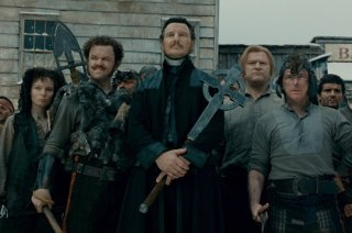 images/2018/04/18/gangs-of-new-york-priest-vallon-cross-iron-liam-neeson.JPG