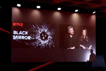 Black Mirror: Charlie Brooker e Annabel Jones durante l'evento Netflix romano