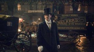 The Alienist: Luke Evans in una foto della serie
