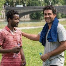 Benvenuto in Germania!: Eric Kabongo e Elyas M'Barek in una scena del film