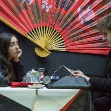 Ci vuole un fisico: Anna Ferraioli Ravel e Alessandro Tamburini in una scena del film