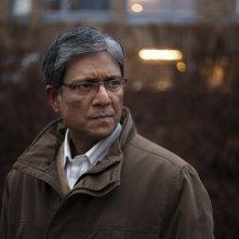 Cosa dirà la gente: Adil Hussain in una scena del film