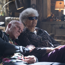 Deadpool 2: Ryan Reynolds e Leslie Uggams in una scena del film