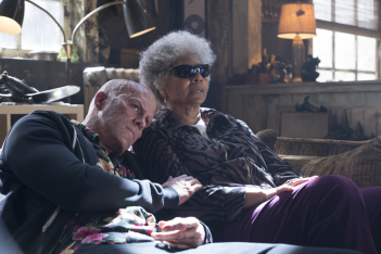 Deadpool 2: Ryan Reynolds e Leslie Uggams in una scena del film