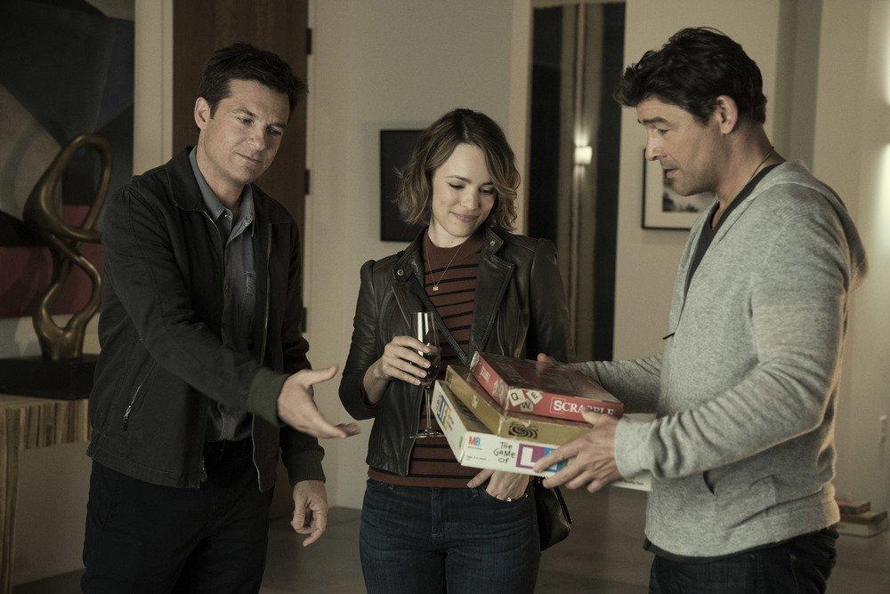 Game Night - Indovina chi muore stasera?: Jason Bateman, Rachel McAdams e Kyle Chandler in una scena del film