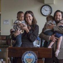 This Is Us: Mandy Moore e Milo Ventimiglia in una foto della seconda stagione