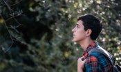 Dei: la gioventù sospesa tra caos e bellezza