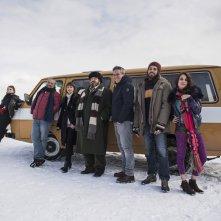 Hotel Gagarin: una foto promozionale del cast principale al completo