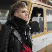 Hotel Gagarin: Katsiaryna Shulha in una scena del film