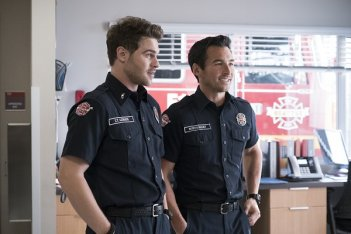 Station 19: Grey Damon in una foto dela serie