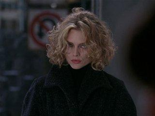 Batman - Il ritorno: Michelle Pfeiffer in una scena del film