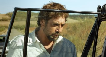 Everybody Knows: Javier Bardem in una scena del film