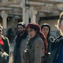 Girls of the Sun: Emmanuelle Bercot e Golshifteh Farahani in un momento del film