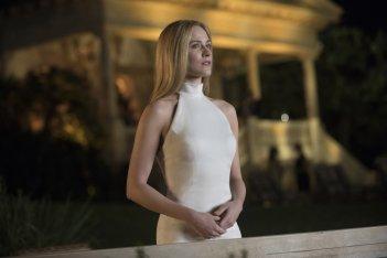 Westworld: Evan Rachel Wood in una scena dell'episodio Reunion