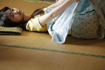 Asako I & II: Erika Karata in un'immagine tratta dal film