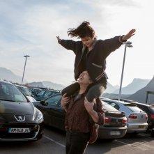 7 Uomini a mollo: Mathieu Amalric e Leïla Bekhti in una scena del film