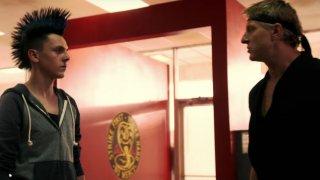 Cobra Kai: una foto della serie con William Zabka