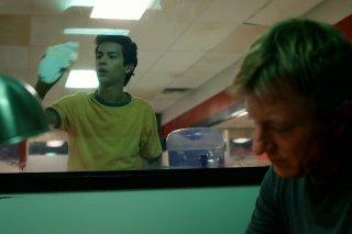 Cobra Kai: Xolo Mariduena e William Zabka in una foto della serie