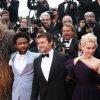 Han Solo a Cannes: Emilia Clarke e Chewbacca alla conquista del red carpet stellare