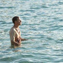 Papillon: Charlie Hunnam in un momento del film