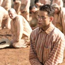 Papillon: Rami Malek in un momento del film