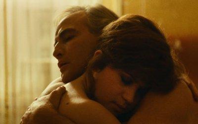 Ultimo tango a Parigi: il film che venne messo al rogo torna al cinema