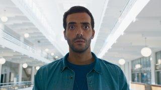 Sposami, stupido!: Tarek Boudali in una scena del film