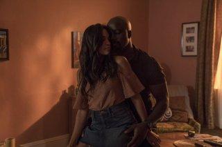 Luce Cage 2: una sequenza bollente tra Mike Colter e Rosario Dawson