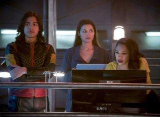 The Flash: Kim Engelbrecht, Candice Patton, e Carlos Valdes nell'episodio We Are the Flash