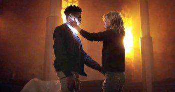 Cloak & Dagger: Olivia Holt insieme a Aubrey Joseph in una scena
