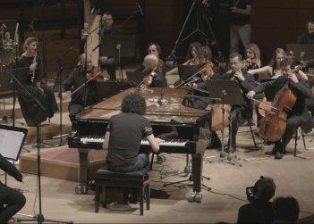 Giovanni Allevi - Equilibrium: The Film Concert, il noto musicista italiano in un'immagine del film