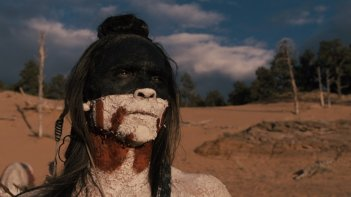 Westworld: Zahn McClarnon  in una scena dell'episodio Kiksuya