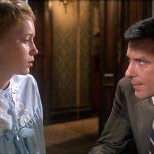 Rosemary's Baby: Mia Farrow e John Cassavetes in una scena del film