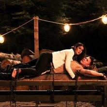 Super Troopers 2: Erik Stolhanske ed Emmanuelle Chiriqui in una scena del film